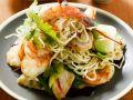Gebratene Reisnudeln mit Gemüse und Shrimps Rezept