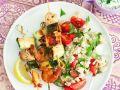 Gegrillte Lachsspieße mit Reis-Tomatensalat Rezept