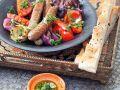 Gegrillte Merguez mit Gemüsesalat Rezept