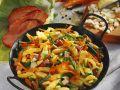 Gemüse-Putenpfanne mit Spätzle Rezept