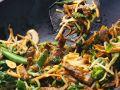 Gemüse-Wok mit Rindfleisch Rezept