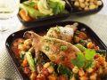 Hähnchenkeule auf Kichererbsengemüse in Tomatensauce Rezept