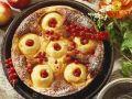 Käse-Apfelkuchen mit Johannisbeeren Rezept