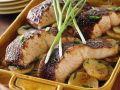 Ofengebackener Lachs mit Kartoffeln Rezept