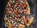 Pizza mit Linsen, Paprika und Schafskäse Rezept