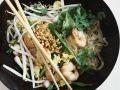 Reisnudeln mit Shrimps und Nüssen Rezept
