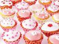 Rosa und Weiß dekorierte Cupcakes Rezept