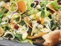 Salat mit Krabbe, Apfel, Karotte und Preiselbeeren Rezept