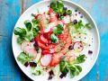 Salat mit Räucherlachs, Roter Bete und Apfel Rezept