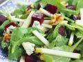 Salat mit Spinat, Roter Bete, Gorgonzola und Nüssen Rezept