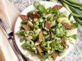 Sellerie-Feldsalat mit Brotrauten Rezept