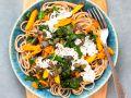 Spaghetti mit Kürbis und Spinat-Ziegenfrischkäse-Sauce Rezept