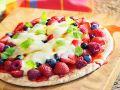 Süße Pizza mit gemischten Beeren Rezept