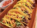 Tacos mit Rindfleisch, Käse, Tomaten und Salat Rezept