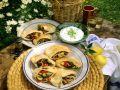 Teigtaschen mit verschiedenen Füllungen und Tzaziki Rezept