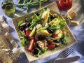 Thunfisch-Bohnen-Salat mit Kartoffeln, Oliven und Ei Rezept