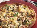 Thunfisch-Pizza mit Artischocken, Pilzen, und Kapern Rezept