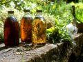Variation von Kräuteressigen Rezept