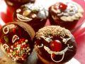 Verzierte Muffins mit Schokoglasur Rezept
