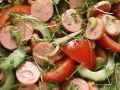 Wurstsalat mit Gurken und Tomaten Rezept