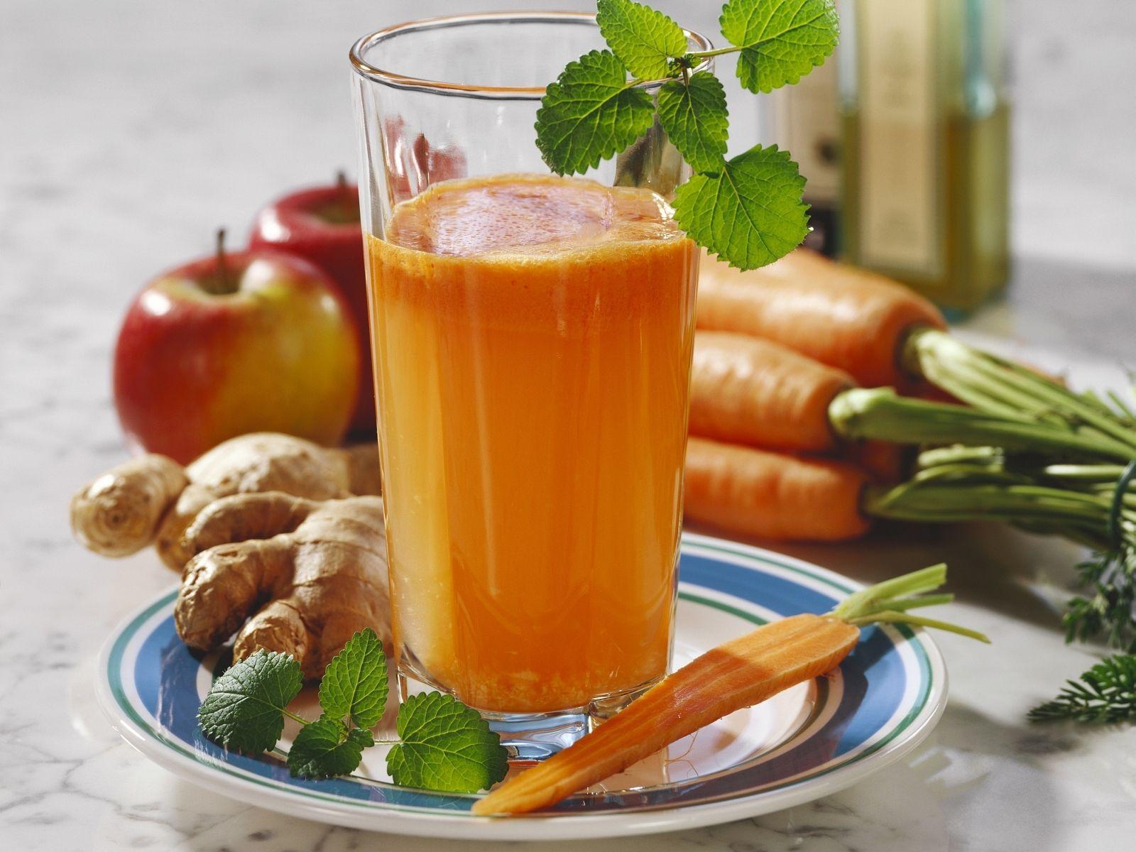 Apfel Möhren Saft mit Ingwer