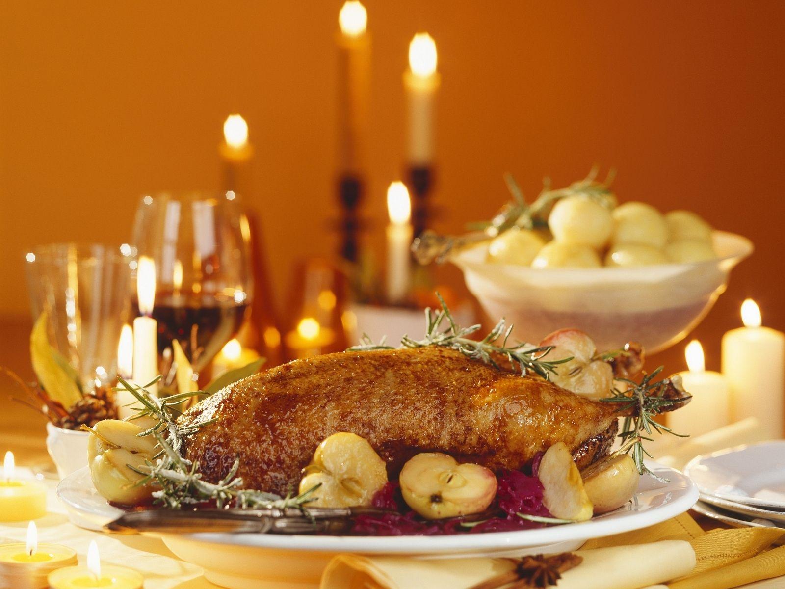 Was Koche Ich An Weihnachten.Gänsebraten Mit Apfelblaukraut Zu Weihnachten