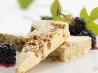 Amaretto-Sorbet mit Brombeeren Rezept