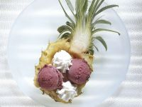 Ananas mit Eisfüllung Rezept