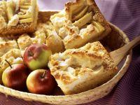 Apfel-Kokos-Kuchen mit Baiser