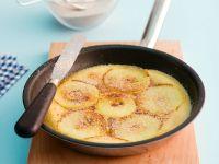 Apfel-Pfannkuchen mit Zimt-Zucker Rezept