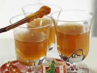 Apfelpunsch mit Karamell-Zimtstange Rezept