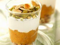 Aprikosen-Trifle mit Nüssen
