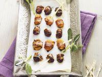 Aprikosen und Pflaumen im Speckwickel Rezept