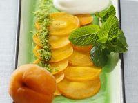 Aprikosenscheiben mit Joghurtcreme Rezept
