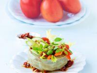 Artischocke mit Gemüsefüllung und Tomatendressing Rezept