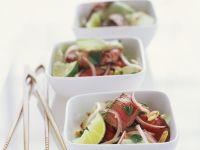 Asiasalat mit Rindfleisch und Limette