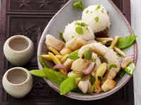 Asiatische Gemüse-Fisch-Pfanne