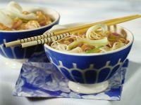 Asiatischer Hüher-Nudeltopf Rezept