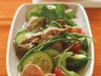 Asiatischer Rindfleischsalat mit Gemüse Rezept