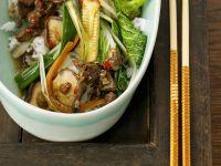 Asiatisches Rindfleisch mit Gemüse und Reis Rezept