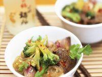 Asiatisches Rindfleisch mit Nudeln