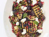 Aubergine vom Grill mit Mozzarella mit Granatapfel Rezept