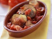 Auberginen mit Tomatensauce gebacken Rezept