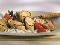 Ausgebackene, gefüllte Zucchini