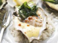 Austern auf Spinat mit würziger Hollandaise Rezept