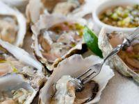 Austern mit Saucen Rezept