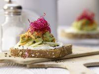 Avocado-Frischkäse-Brot Rezept