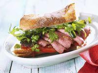 Baguette mit Roastbeef und Tomaten-Chutney Rezept