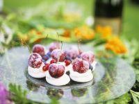 Baiser-Plätzchen mit Kirschen Rezept