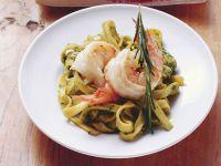 Bandnudeln mit Pesto und Shrimps Rezept